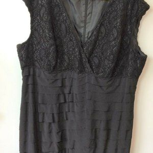 Jones Wear Black Sleeveless Lace & Pleated Dress
